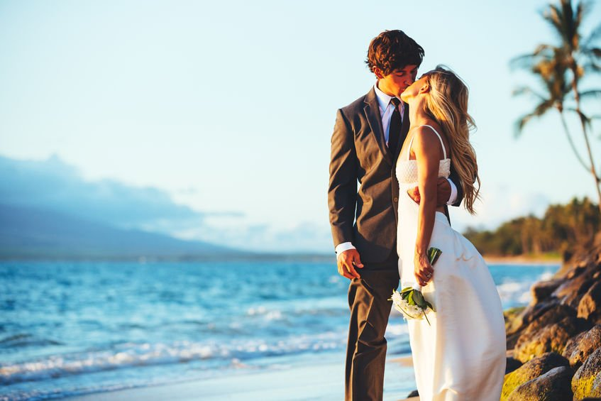 Best places to elope in Costa Rica include the famous Manuel Antonio